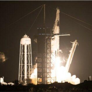 Geslaagde lancering van de SpaceX Falcon 9 raket en de Crew Dragon!